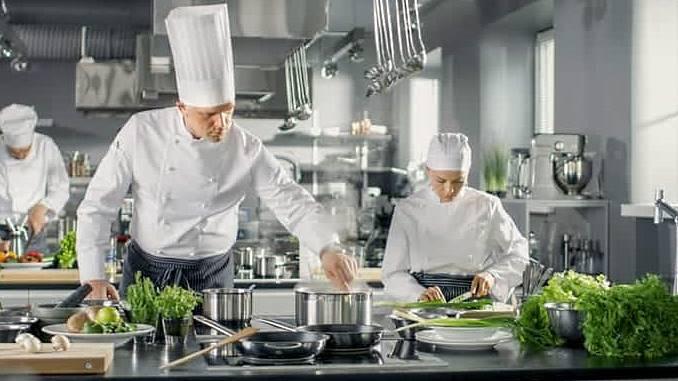 Executive Chef Vs Chef De Cuisine Vs Sous Chef Vs Line Cook